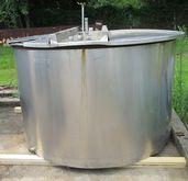 875 gallon stainless steel tank