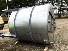 used 2000 Gallon Perry Stainles