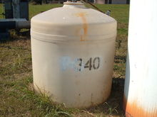 350 Gallon Poly, Vertical Tank.