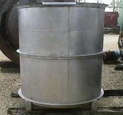 Approx. 750 gallon, stainless s