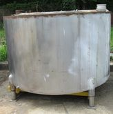 300 gallon stainless steel stor