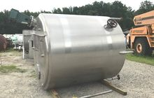 used 2000 Gallon Stainless Stee