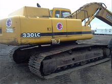 Used 2000 DEERE 330