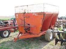 Willmar Fertilizer spreader