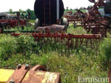 Yetter 12' rotary hoe