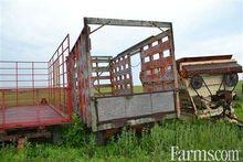 16' bale wagon