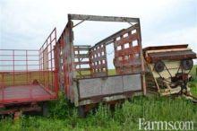 Used 16' bale wagon