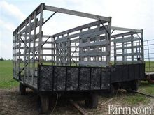 bale throw rack