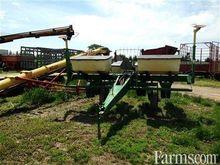 John Deere 7000 narrow corn pla