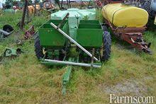 John Deere 2 row potato planter