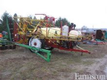 HARDI 650 gal sprayer