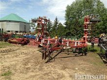 WilRich 25 tooth chisel plow