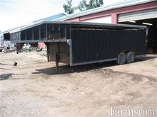 1990 Jamco 20' livestock traile
