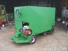 WIC feed cart