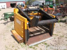 Lucas G Silage grapple feeder