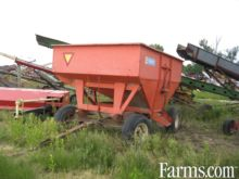 Turnco 225 bushel gravity wagon