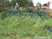 John Deere 1010 26' Cultivator,