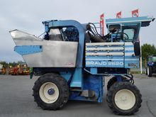 1991 Braud 2620 Grape harvestin