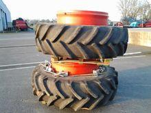 Goodyear Twin wheels : 20.8R42