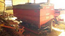 Used 1999 Kuhn AXERA