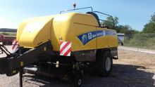 2009 New Holland BB9080 Large s