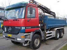 2002 Mercedes Benz 3335AK