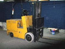 Used YALE TRUCK LIFT
