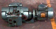 MODEL VA-25 VACUUM PUMP - M7311