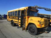 1997 FORD B800 G15H4575