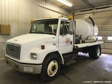 2001 Freightliner Truck with Mo