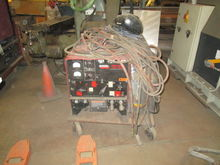 2 (QTY) WELDERS LINCOLN IDEALAR