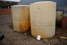 Plastic Tank (Auction 434 #0544