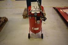 Sandblaster 75 L. Complete. unu