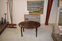 5 pieces. paintings, oval table