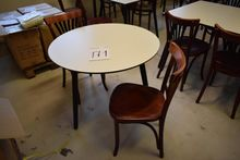 Table Ø 90 with 2 chairs (Aucti