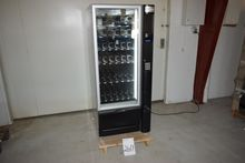 Machine for snacks and drinks f