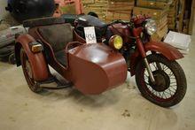 Motorcycle w. Sidecar, mrk. Ura