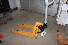 Low lifter with short forks 250