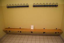 2 pcs. changing rooms bænkem. F