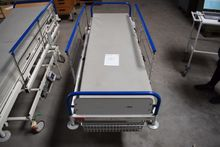 Hospital bed, electrically matt