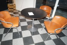 Cafe table with 3 chairs (Aucti