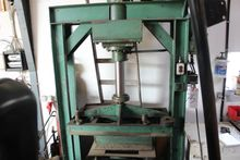 Press hydraulic estimated 60 to