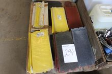 Pallet with abrasive paper 205