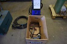 2 pcs. Hydraulic jack + pressur