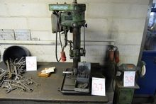 Drill press with vice, drills e