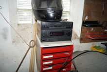Workshop radio with speaker. -