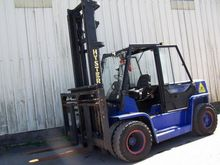 Used 2001 Hyster H6.