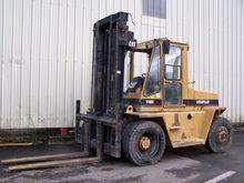 1993 Caterpillar V180c Forklift