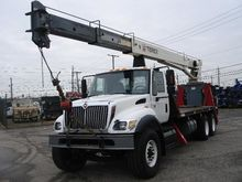 2006 INTERNATIONAL 7400 Boom Tr