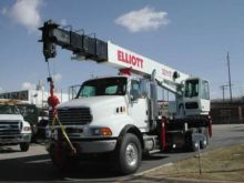 2005 ELLIOTT 32117R Boom Truck